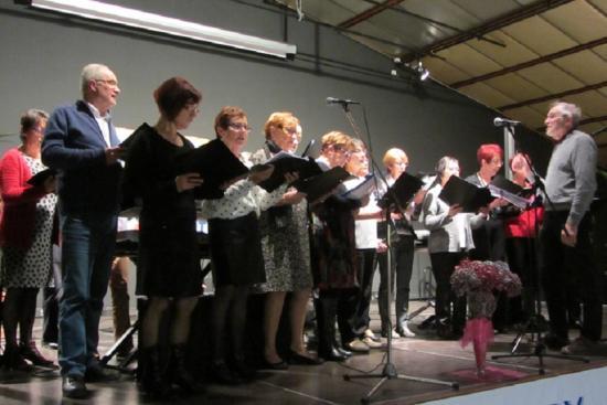 L'atelier chants ouvre la séance