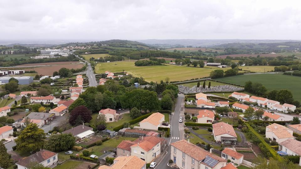 Vue en haut du clocher St Michel mont mercure